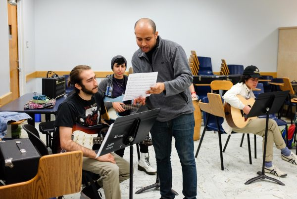 Derrick Spiva Jr. leads a workshop at UCLA's Herb Alpert School of Music. (Philip Graulty)