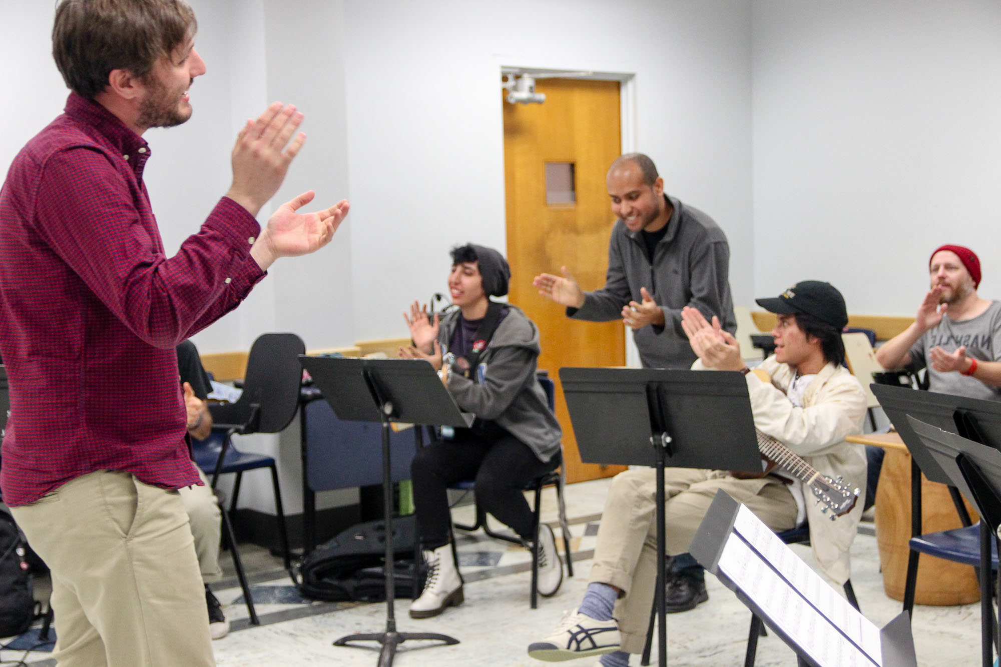 Students participate in Bridge to Everywhere workshop at UCLA's Herb Alpert School of Music. (Kim Nguyen Tran)